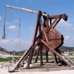 El Trebuchet, el arma medieval más demoledora