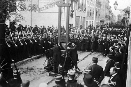 La guillotina, un diseño francés