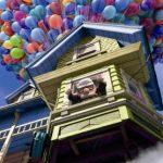¿Puede volar una casa con globos y helio?