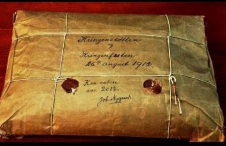Las cápsulas del tiempo y el misterioso sobre de Noruega