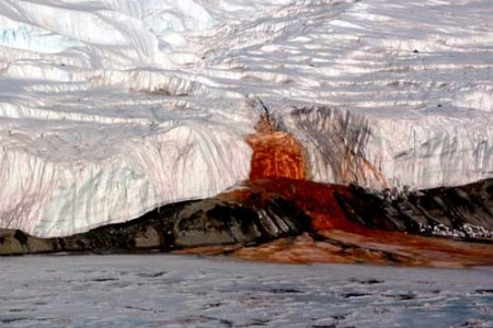 La Catarata de Sangre, en la Antártida